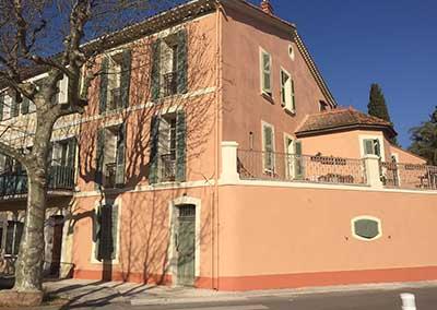 façade immeuble rénovée en peinture